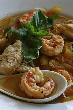Vietnamese Catfish, Shrimp and Cellophane Noodle Soup
