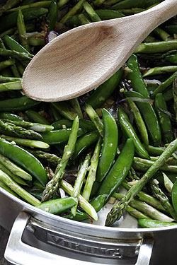 Image of Saut Ed Sugar Snap Peas And Asparagus, Viking