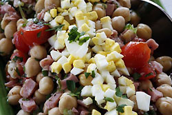 Spanish-Inspired Chickpea Salad