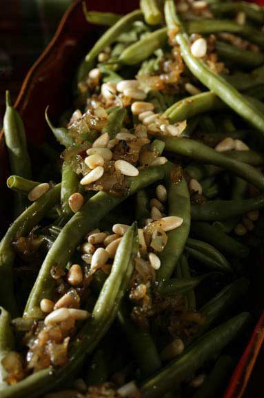Green Beans Vinaigrette with Pine Nuts