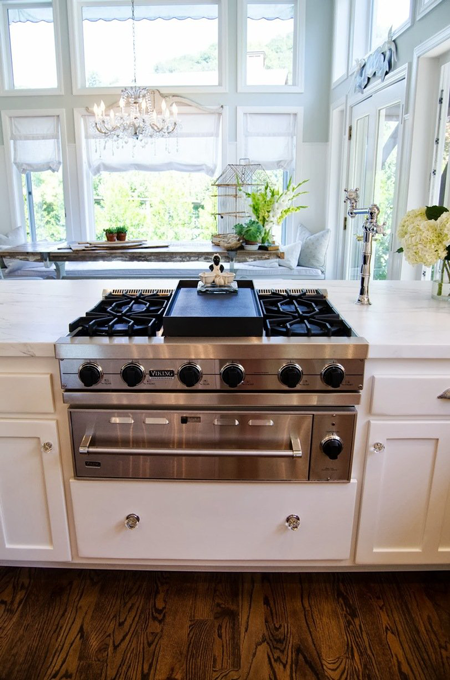 Viking Rangetop and Warming Drawer Featured on TheKitchn.com